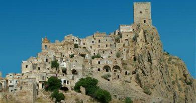 Domenica 12 maggio alla scoperta della Lucania: Craco e Matera